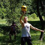 f żonglerka kettlebell